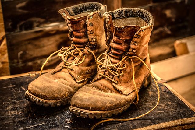 Có nên mua giày bảo hộ đã qua sử dụng?